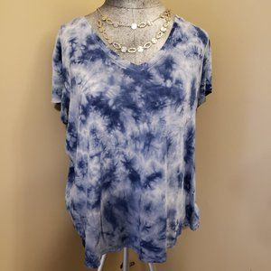 American Eagle Favorite T tie dyed blue and white